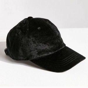 ❤️Urban Outfitters Velvet Black Hat MSRP $39!